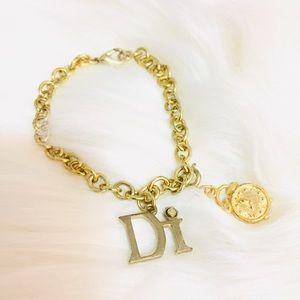 Jewelry - Bracelet Gold Tone Charm Bracelet